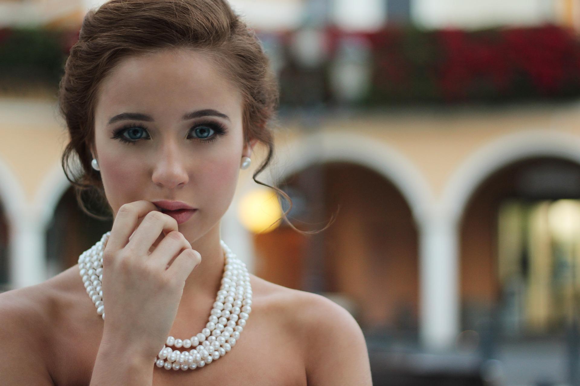 Detale mają znaczenie – biżuteria ślubna w 2018